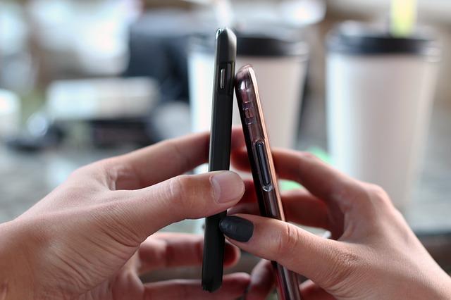 smartphone-570513_640