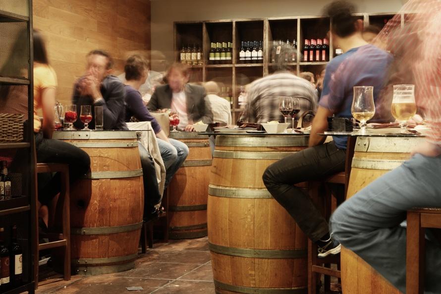 restaurant-alcohol-bar-drinks-large