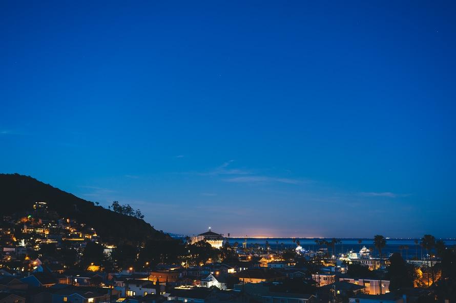sky-houses-lights-night-large