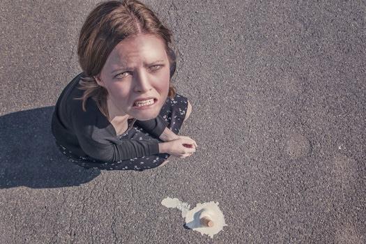 woman-dropped-fail-failure-medium