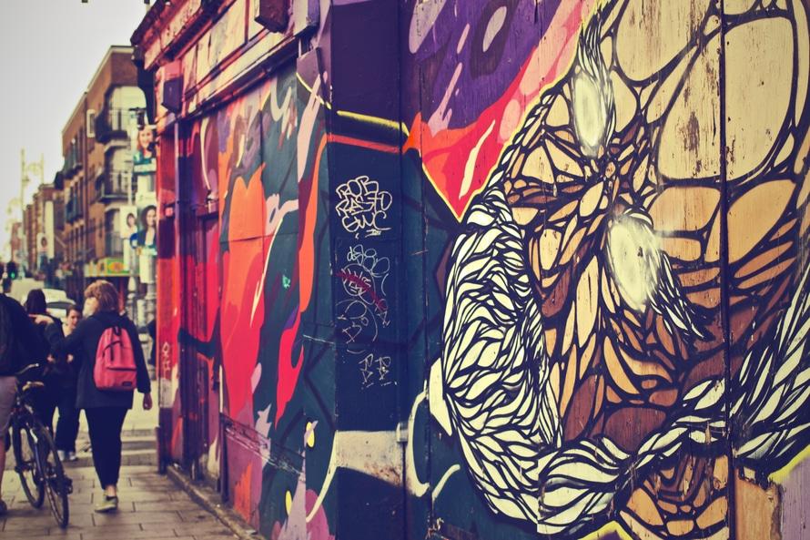 city-art-graffiti-wall-large