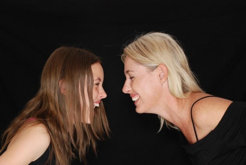 laughter-laugh-fun-mom-daughter-teenager-family