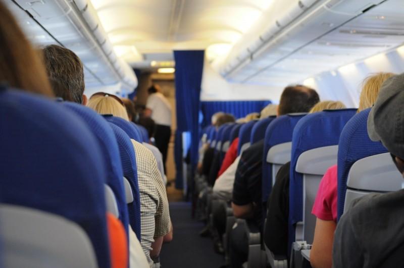 passengers-sitting-in-airplane