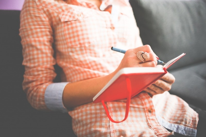 female-diary-write-beautiful-inspire-create