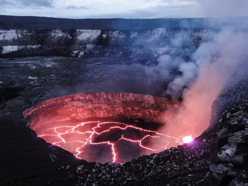molten-volcano-lava-evening-glowing-heat-geology