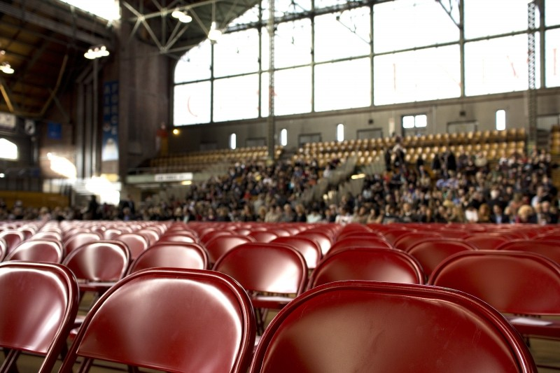 people-show-chairs-gym