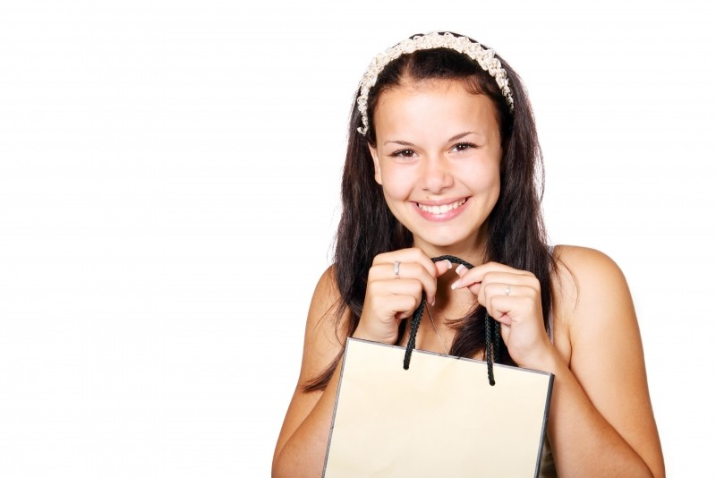 portrait-of-woman-with-shopping-bag