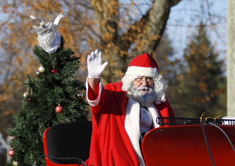 santa-parade-christmas-celebration-holiday-claus