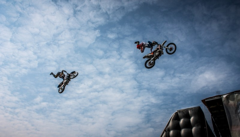 biker-motorcycle-artists-action-dirt-extreme-bike