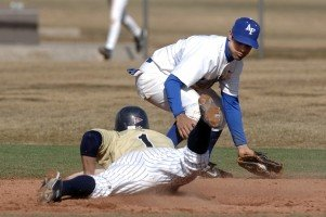 baseball-second-base-tag-steal-attempt-slide-play